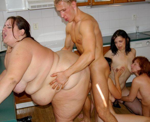 Фото группового секса полных