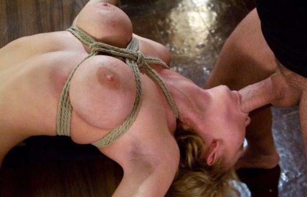Titten bondage