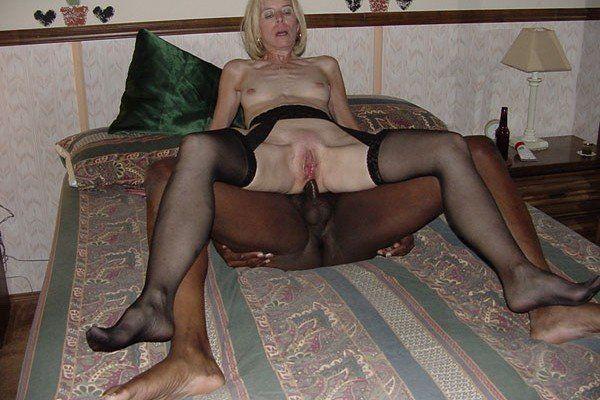Hausfrau anal gefickt