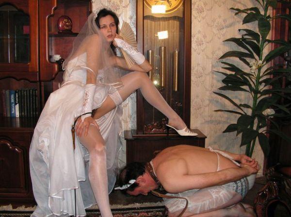 Braut erschrak mit Ehemann Penis