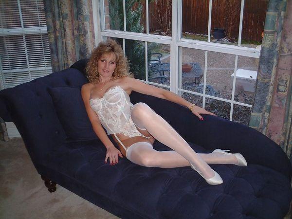 Frau in Nylons